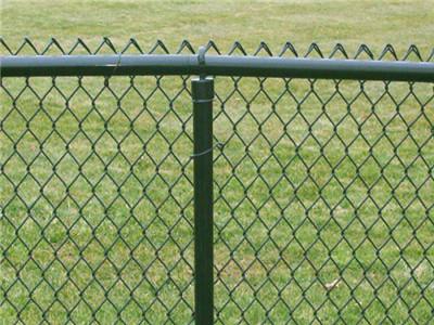 足球场隔离网